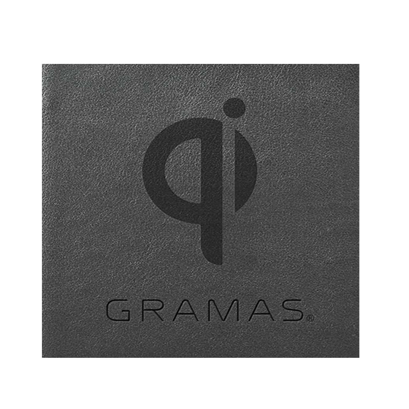 iPhone背面ケース。GRAMAS グラマス Shrunken-calf Leather Shell Case。ケースを装着したままワイヤレス充電が可能です。ワイヤレス充電を行うにはQi規格のワイヤレス充電器が必要です。