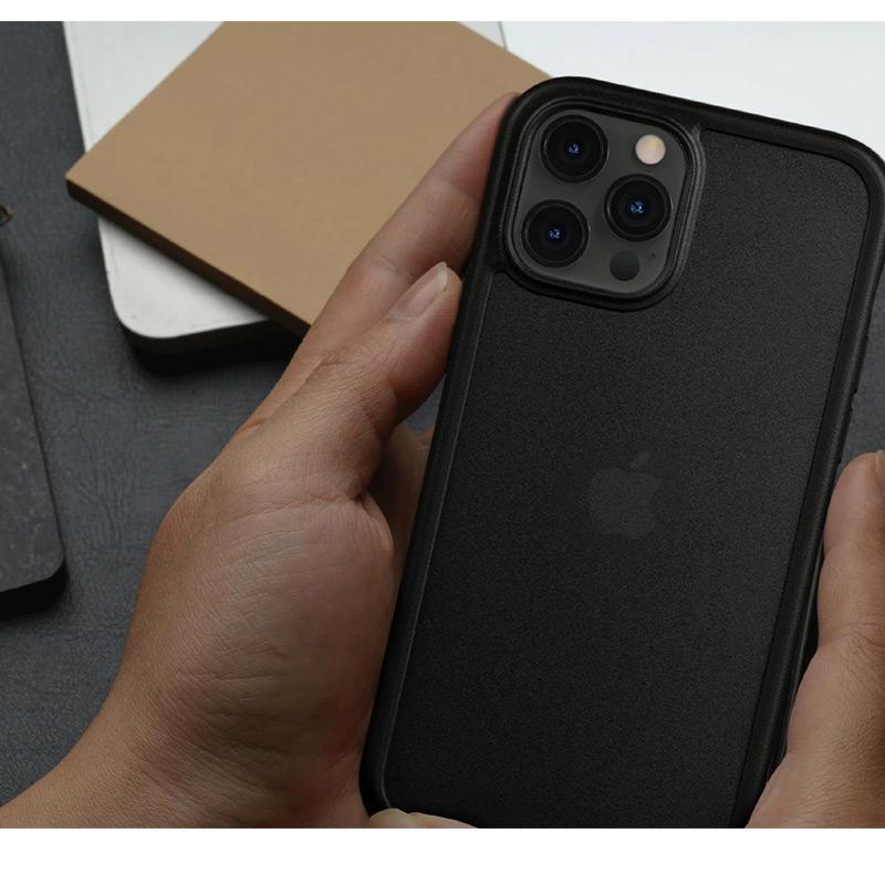 汚れや指紋が付きにくい iPhone13 Pro ケース 背面 カバー スマホケース 耐衝撃