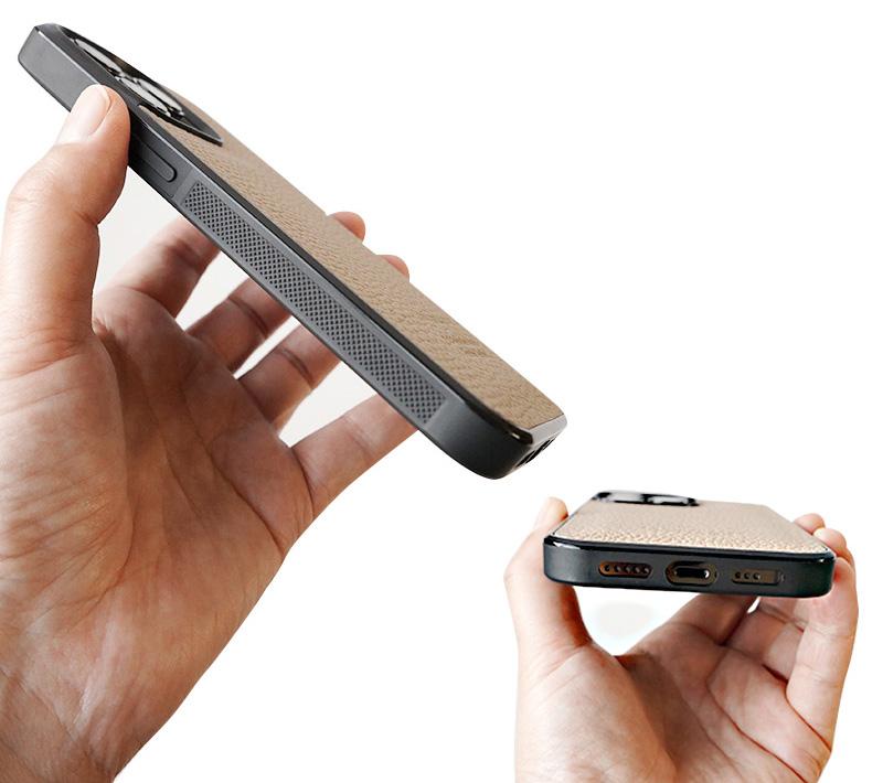 WINGLIDE『iPhone13シリーズ対応 シュランケンカーフ 背面カバー ケース』はサイドにグリップ加工済